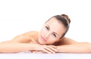 Hidratación facial. Prepara tu piel para esta temporada y consigue un efecto terso y luminoso.