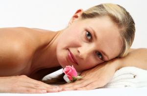 Peeling corporal con envoltura hidratante y peeling facial con mascarilla extra hidratante