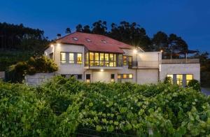 Visita a bodega para 2+degustación de 3 vinos+maridaje con conserva gourmet+1 botella de Albariño Eidos de Padriñán