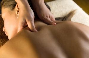 Masaje relajante de espalda con karité caliente,  aromaterapia e infrarrojos