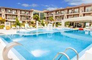 Escapada única de lujo y relax: Alojamiento, desayuno, comida o cena,spa y tratamientos en Augusta Spa Resort **** superior