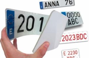 Cambio de placas de matrícula acrílicas y homologadas