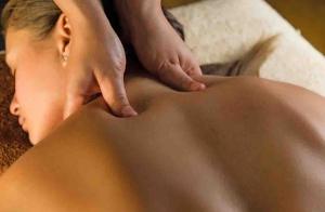 Masaje relajante, anticelulítico o con aceites esenciales ¡Elige el tuyo!